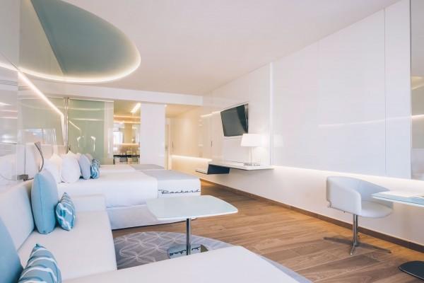 Grand Packard Hotel Havana Deluxe Premium Room Bedroom View 3