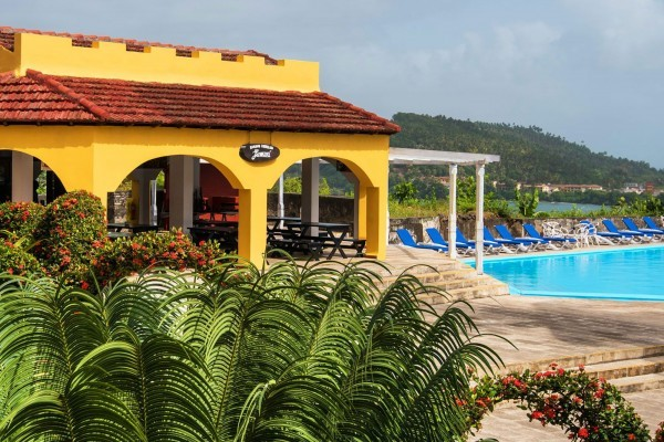Hotel El Castillo External View And Swimming Pool