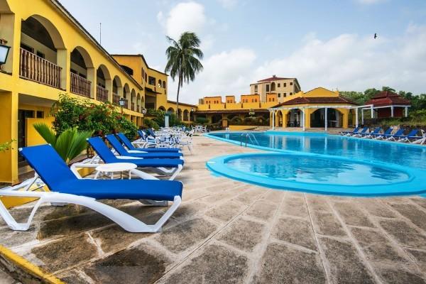 Hotel El Castillo Hotel Swimming Pool