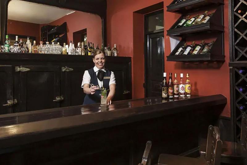 Hotel Gran Camaguey Tinajon Bar