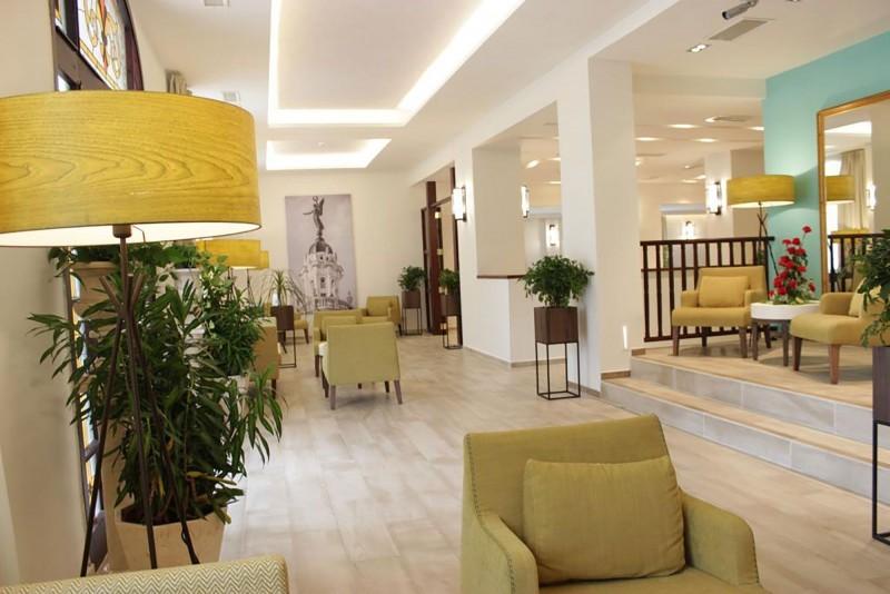 Hotel Victoria Havana lobby area