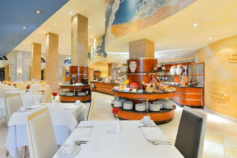 Iberostar Parque Central Havana buffet restaurant