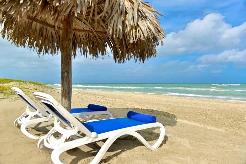 Iberostar Tainos Beach With Sunbeds
