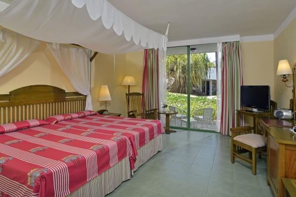 Melia Cayo Coco Classic Room Bedroom