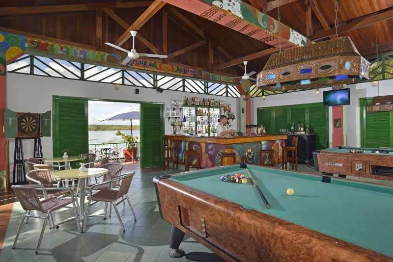 Melia Cayo Coco Sports Bar