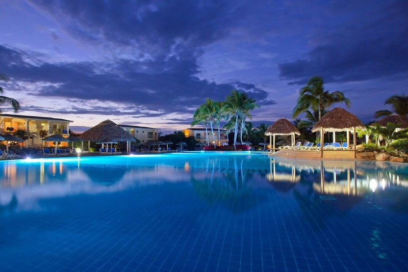 Melia Cayo Santa Maria Swimming Pool Evening