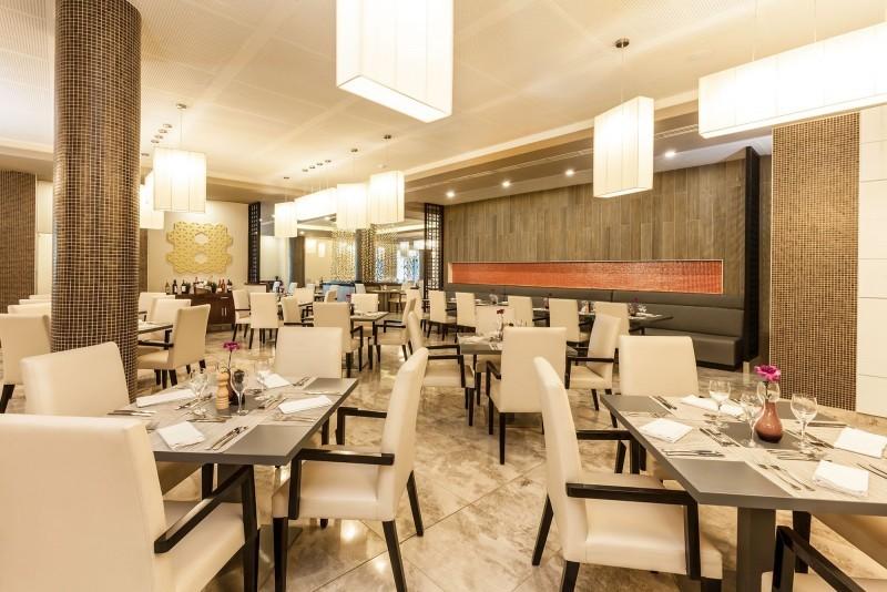 Melia Internacional Hotel Buffet Restaurant