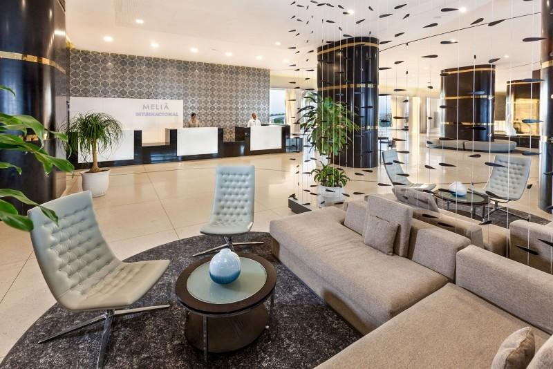 Melia Internacional Hotel Reception