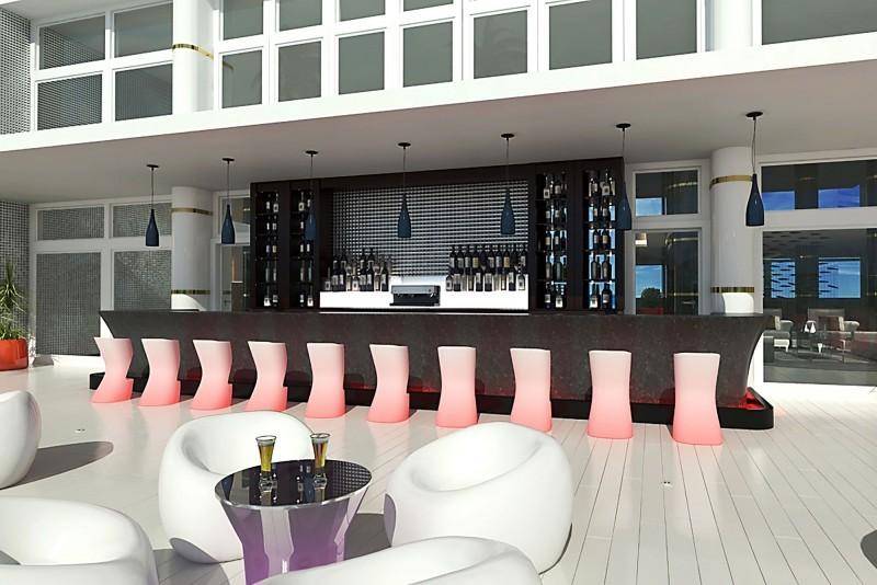 Melia Internacional Hotel Red Sky Bar