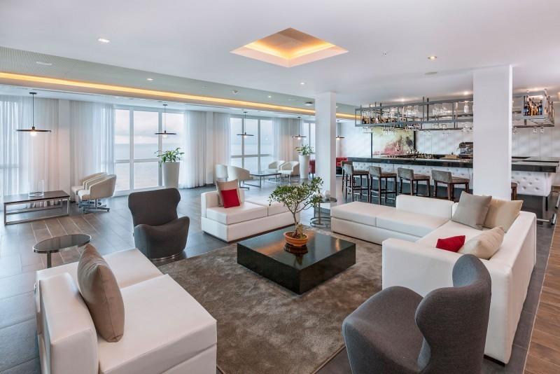 Melia Internacional Hotel The Level Lounge Bar