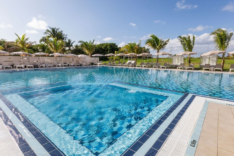 Melia Internacional Hotel The Level Swimming Pool