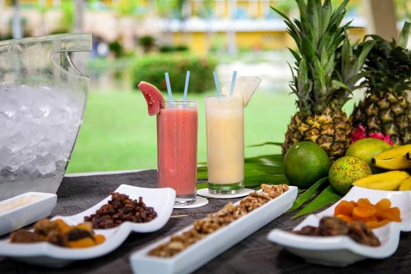 Melia Las Antillas Health Bar