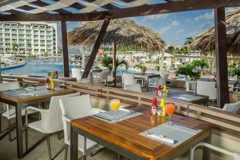 Melia Marina Pool Snack Bar