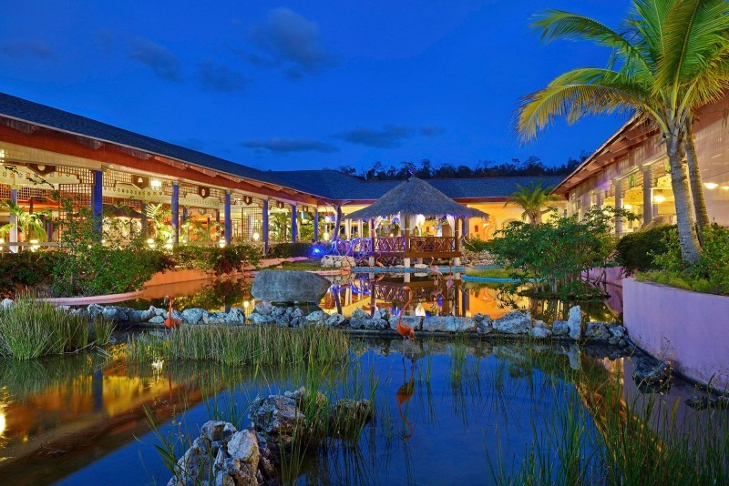 Paradisus Rio de Oro Hotel Lobby Evening
