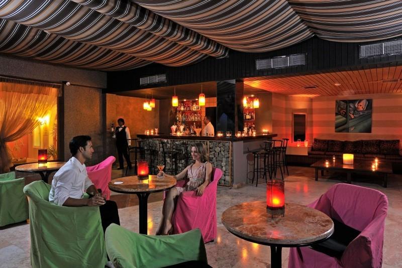 Paradisus Rio de Oro La Conga Bar