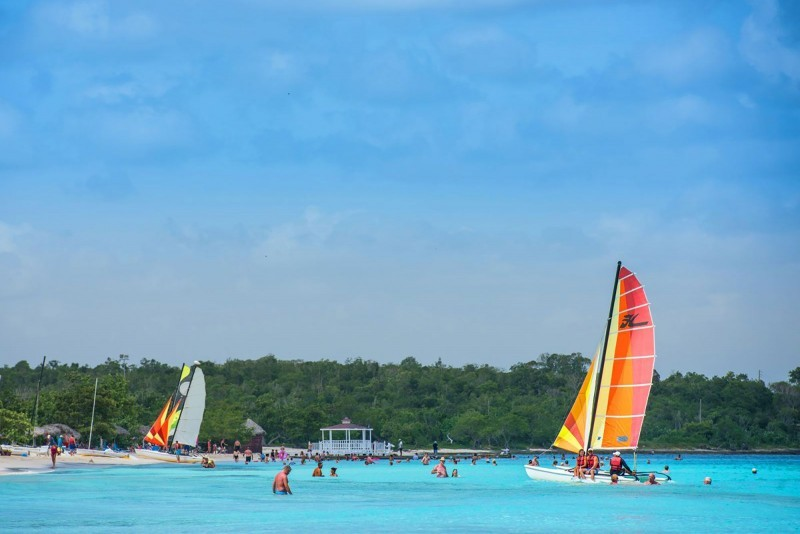 Playa Pesquero Sailing