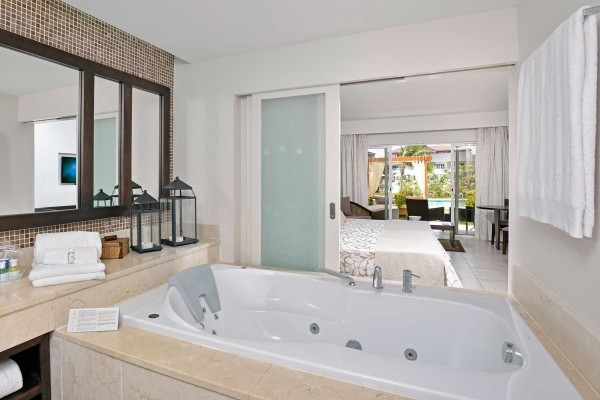 Paradisus Princesa del Mar Royal Service Master Junior Suite Garden Swim-Up Pool