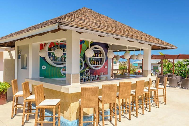 Royalton Cayo Santa Maria Pool Bar