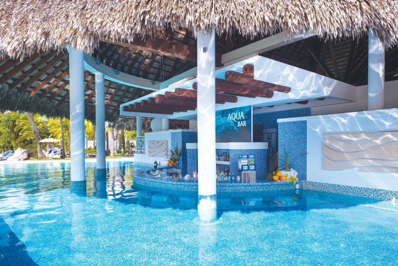 Royalton Hicacos Varadero Pool Bar