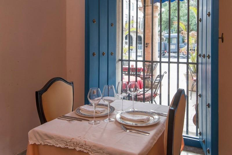 Restaurant Overlooking Courtyard