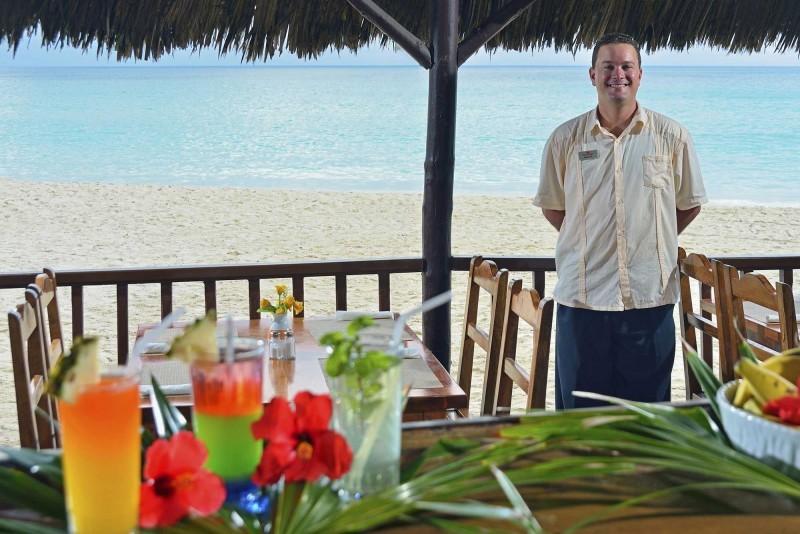 Sol Palmeras Beach Bar