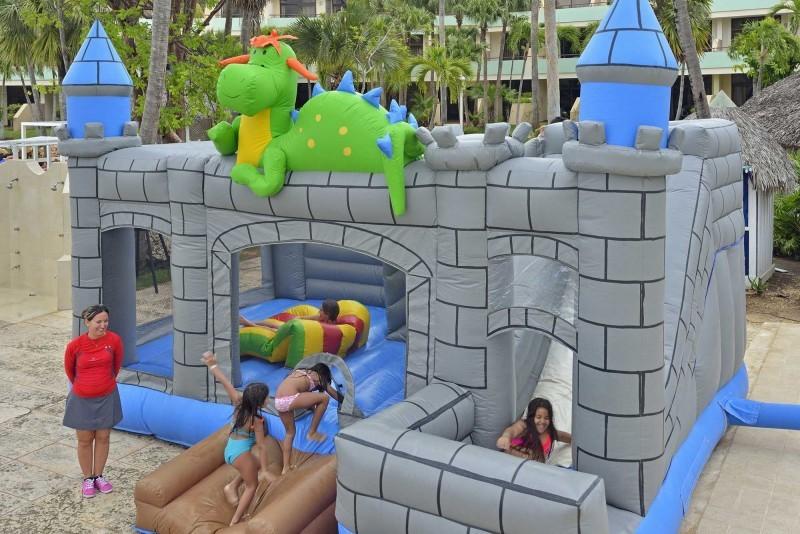 Sol Palmeras Bouncy Castle