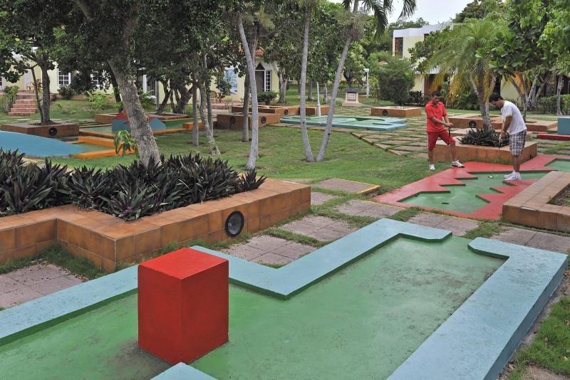 Sol Palmeras Crazy Golf