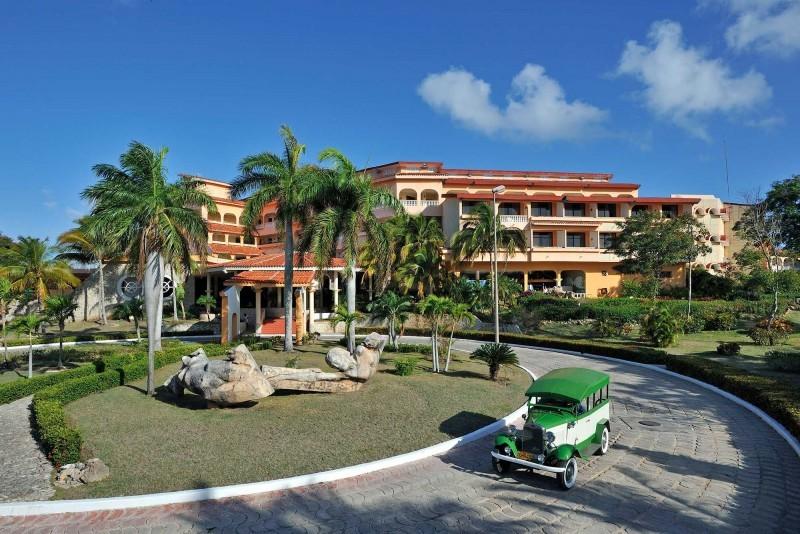 Sol Rio Luna Mares Hotel Entrance