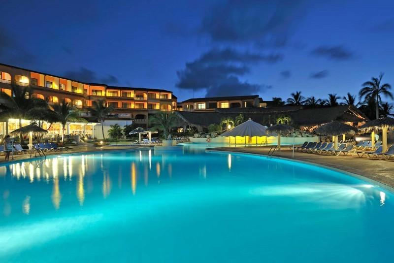 Sol Rio Luna Mares Swimming Pool Evening