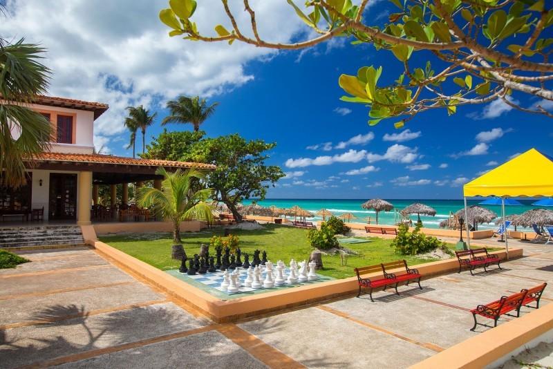 Starfish Cuatro Palmas Hotel Grounds And Beach