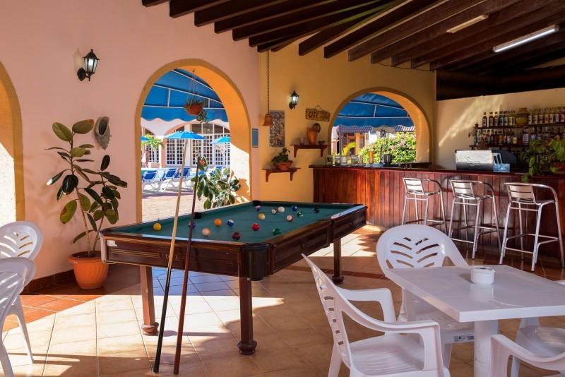 Starfish Cuatro Palmas Pool Bar